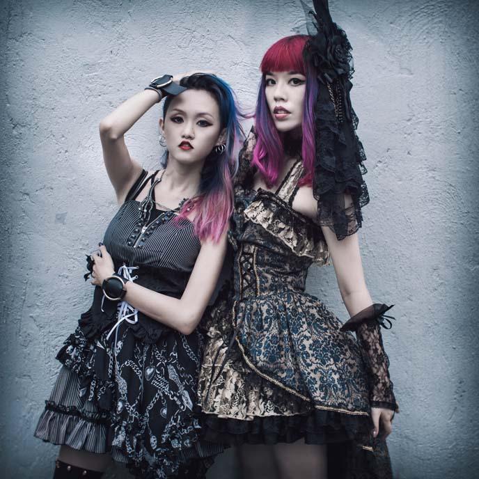 chinese goths, gothic lolita models