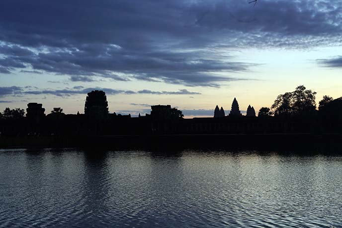 sunrise silhouette angkor wat