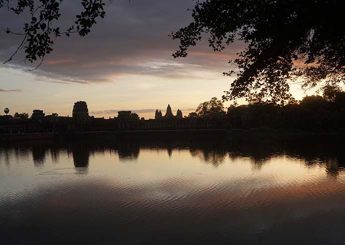 sun rise dawn angkor