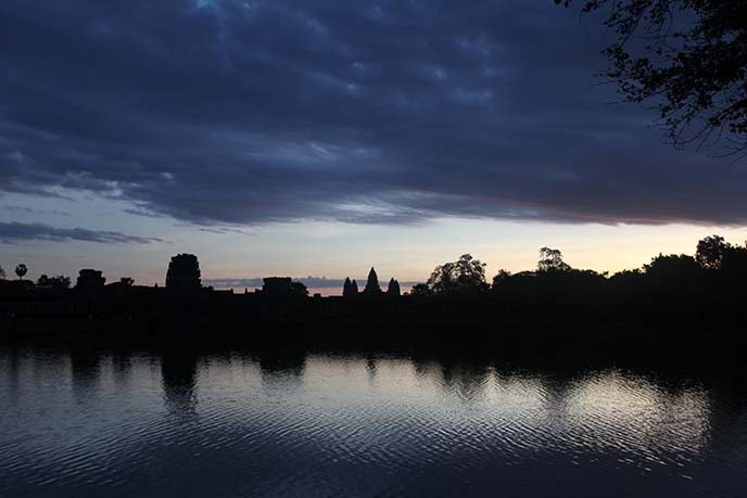 angkor wat temple silhouette