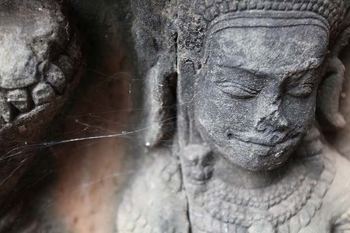 angkor wat hindu buddhist carvings