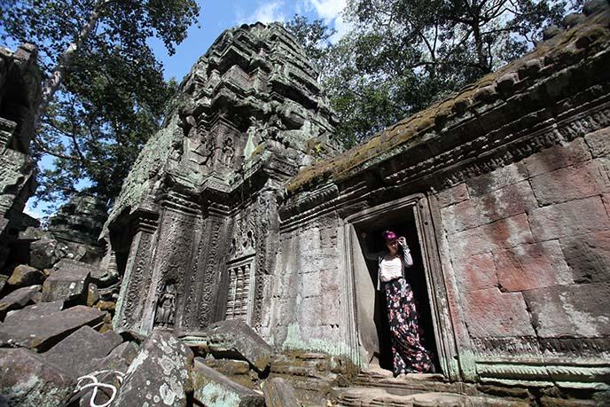 siem reap cambodia ruins