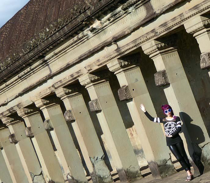 angkor wat hall of wall carvings