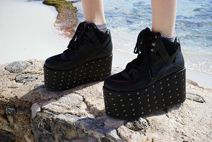 tall platform goth shoes
