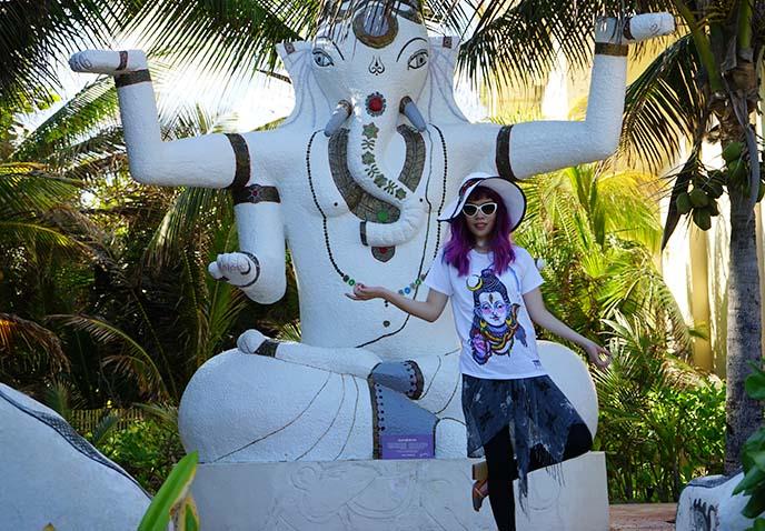 ganesha elephant god statue