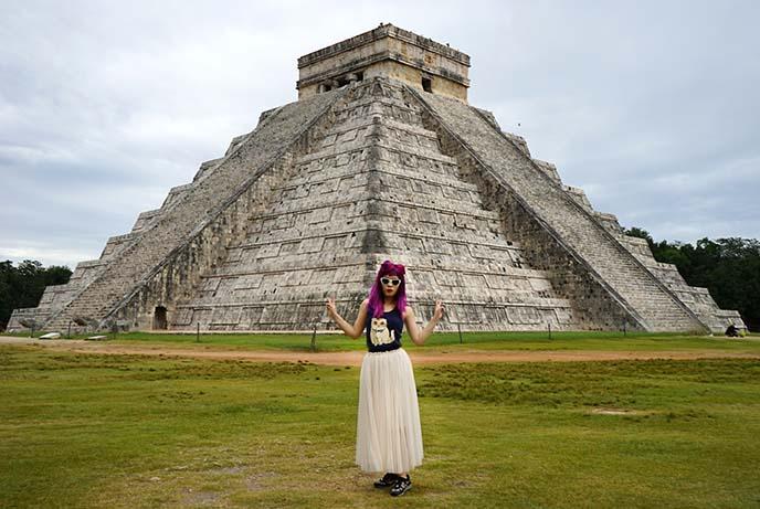 tulum mayan stone pyramid