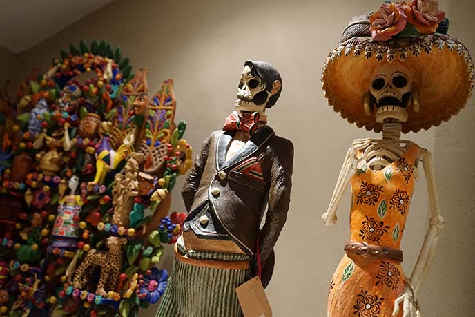 day of dead skull figures