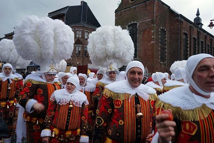 gilles costumes, carnival de binche