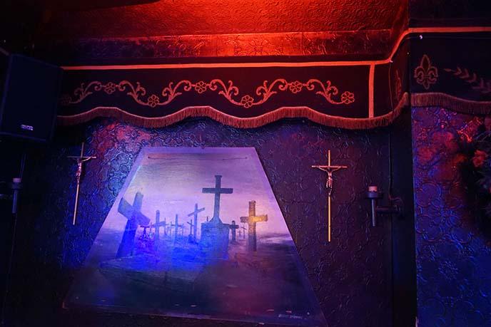 cerceuil coffin hard rock bar