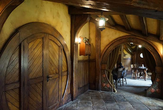 inside green dragon inn