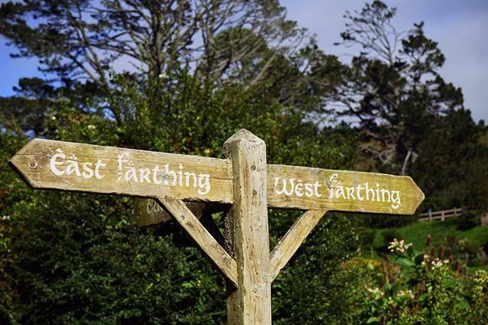 east west farthing sign, hobbiton