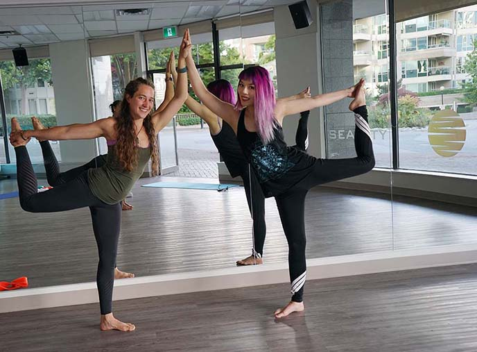 girls yoga poses as pairs