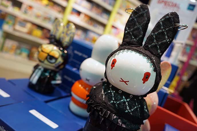 goth punk vampire bunny