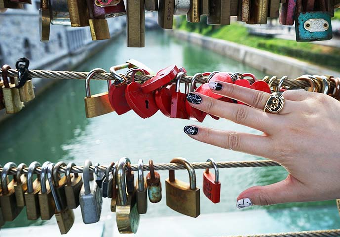 bridge heart shaped locks