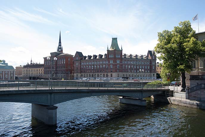 stockholm bridges, walking tour