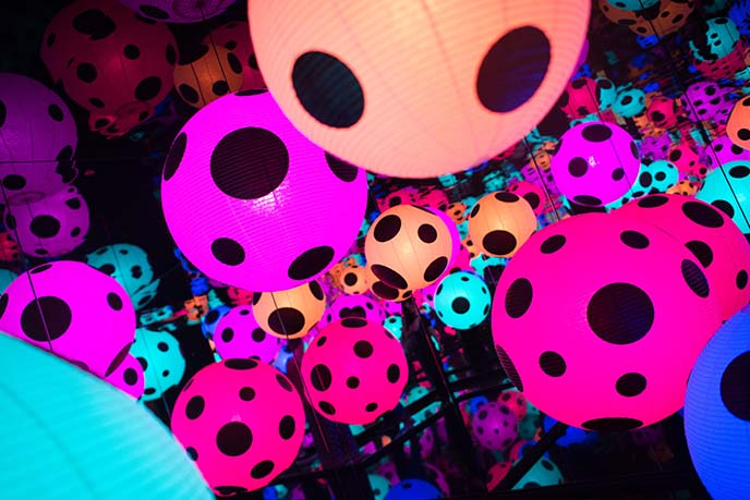 dotted lanterns, yayoi kusama installation art