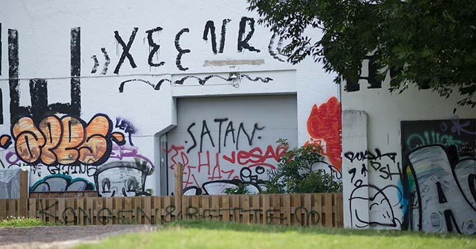 satan graffiti, satanic mural
