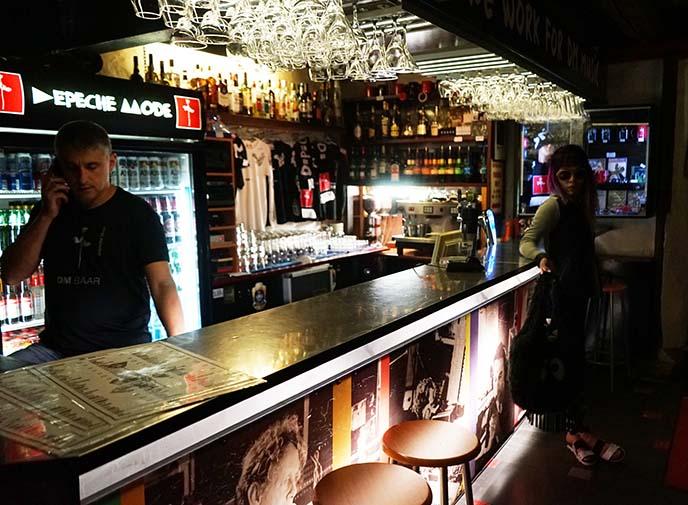 depeche mode joy division bar, 1980s band
