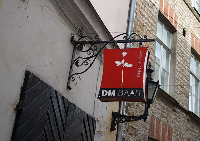 dm baar, depeche mode bar sign logo
