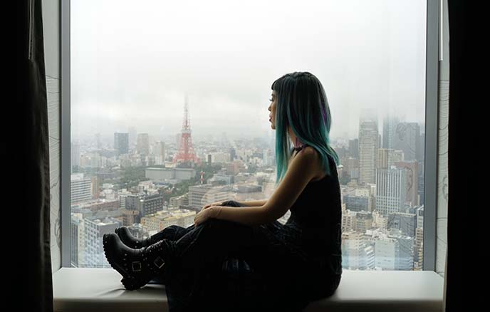tokyo tower hotel window view