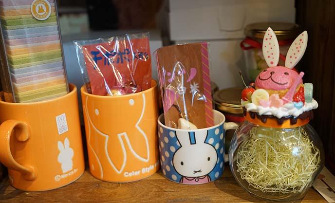rabbit decorated desserts tokyo