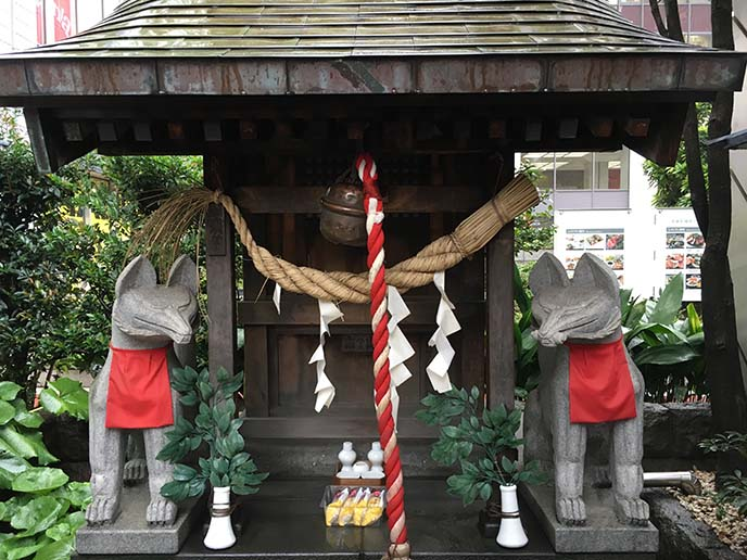 japanese fox altar temple