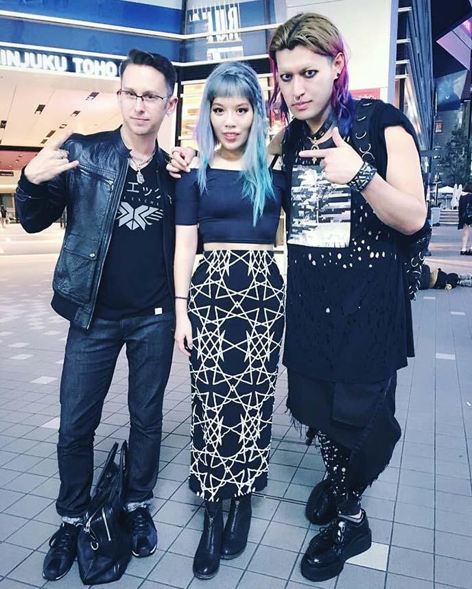 nu goth dark fashion blogger