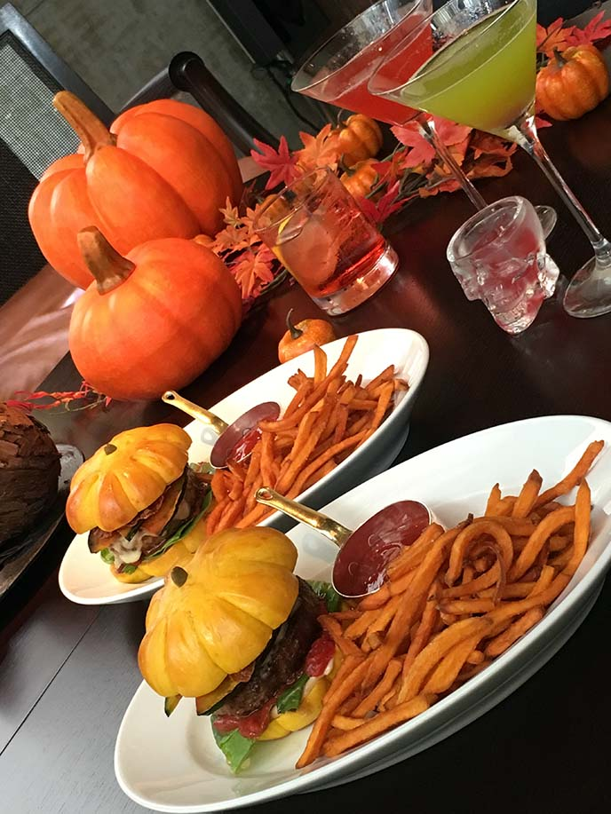 tokyo japan halloween themed restaurant