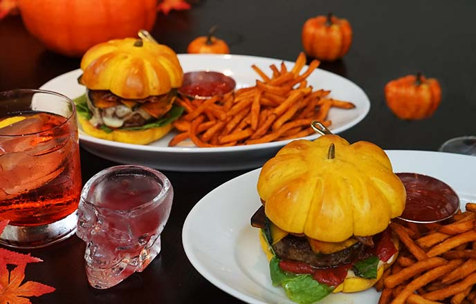 pumpkin burgers japan, sweet potato fries