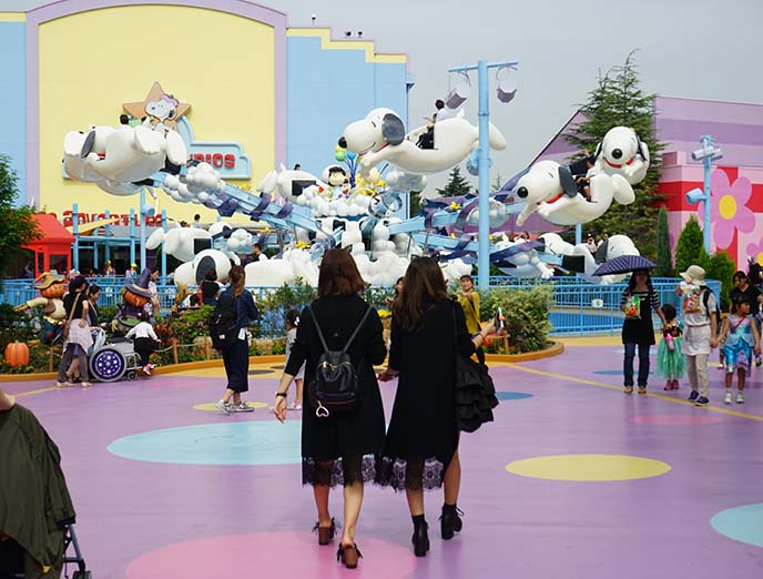 flying snoopy ride, universal osaka