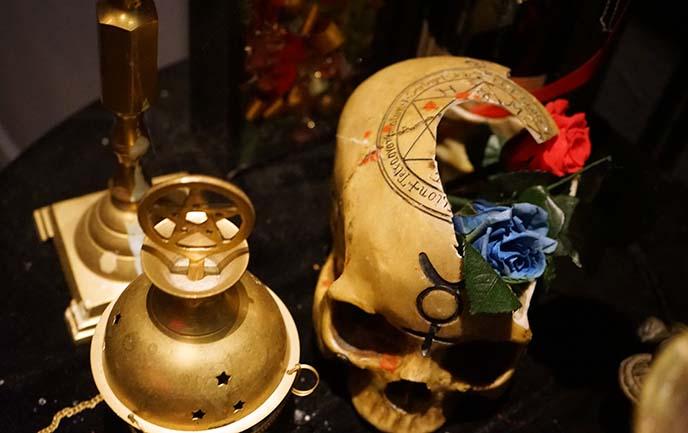 pentacle skull, satanic altar