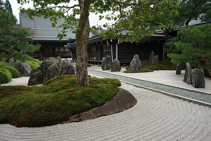 zen rock sand gardens japan