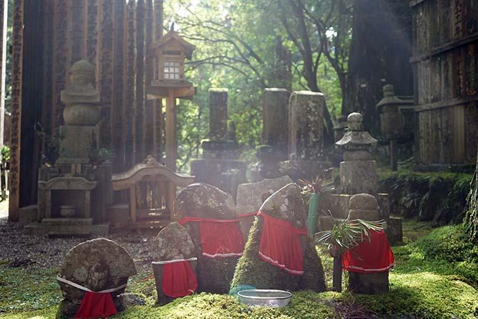 gravestones Okunoin graveyard japan