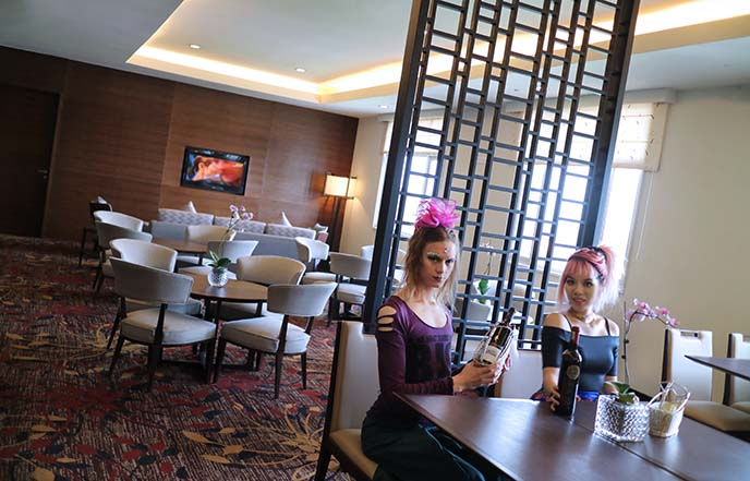 parkroyal club lounge buffet drinks