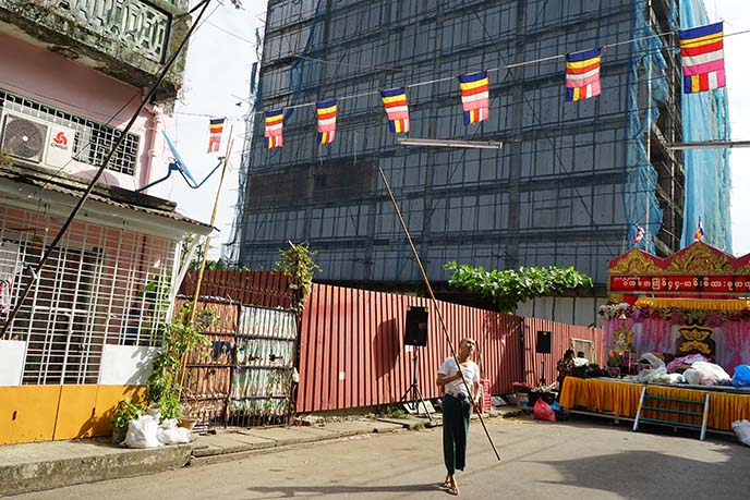 buddhist flags burma