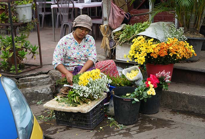 yangon flower vendor