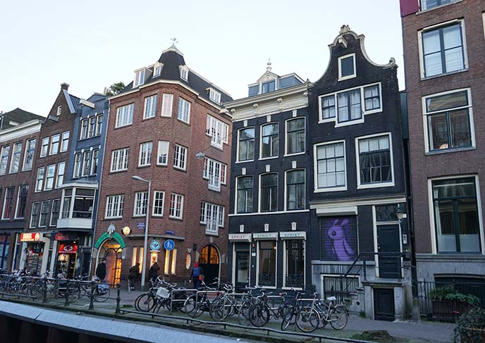amsterdam red light district graffiti