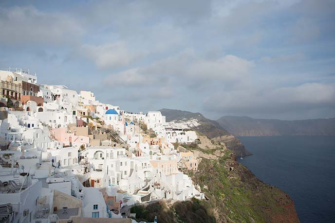 santorini oia cliffs