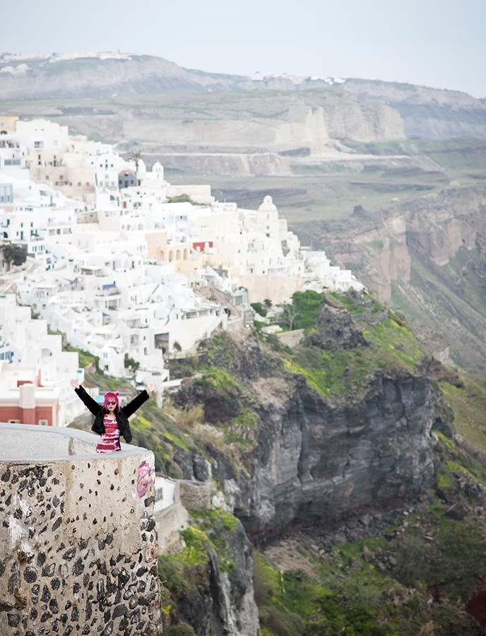 female travel blogger oia fira