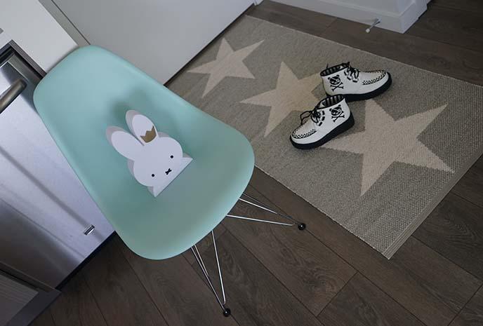 swedish pappelina rug, viggo star grey