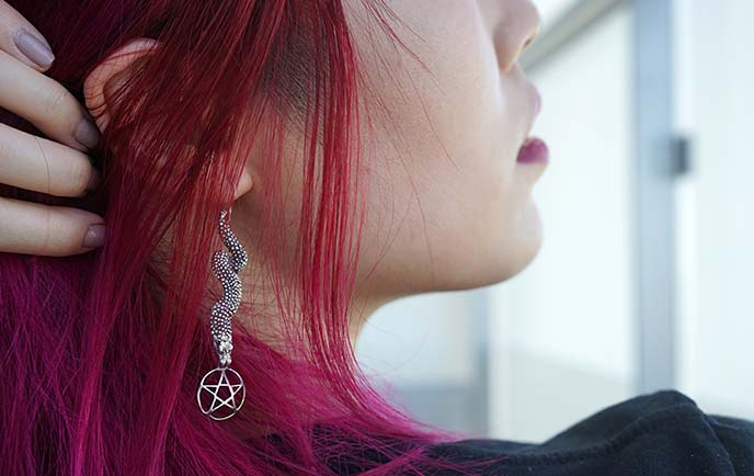 silver pentagram earrings satanic