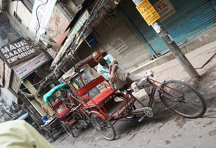 indian rickshaw cycle driver