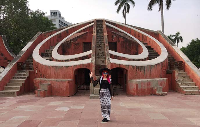 weird bizarre new delhi, alien jantar mantar