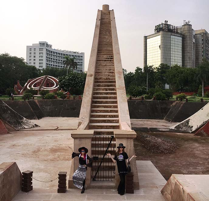 new delhi triangle staircase, celestial observatory
