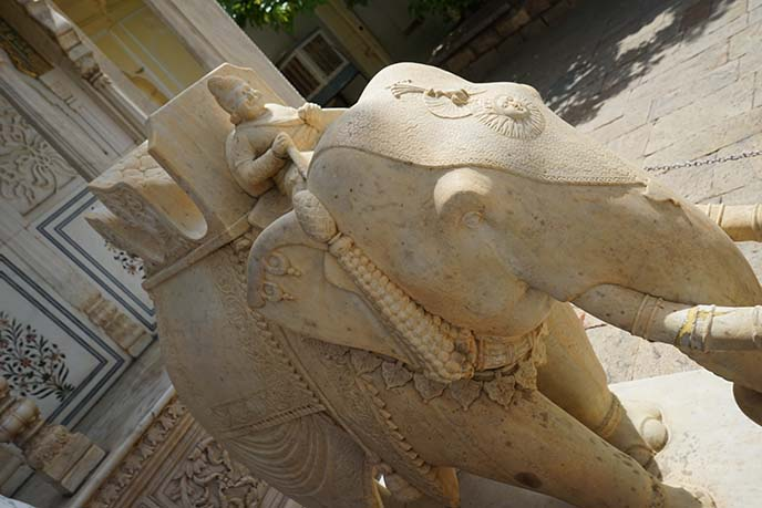 sculpture indian elephant and rider