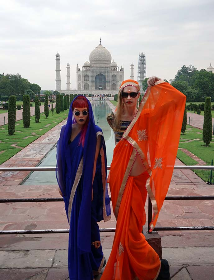 what wear visit taj mahal sari