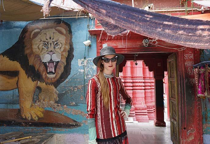 varanasi monkey temple, durga worship