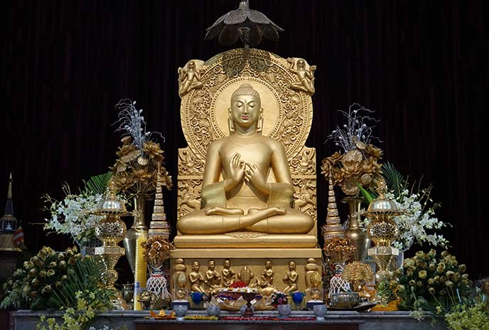 buddhist statue temple sarnath