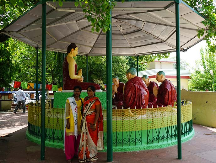 sarnath buddhist statues