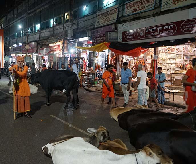 varanasi nighttime market